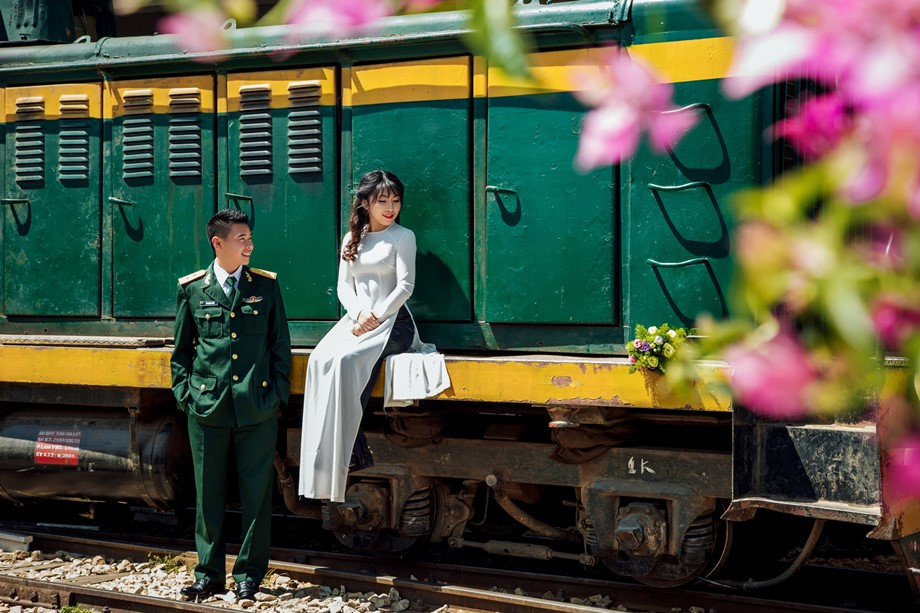 Chụp ảnh cưới ở Ga Đà Lạt