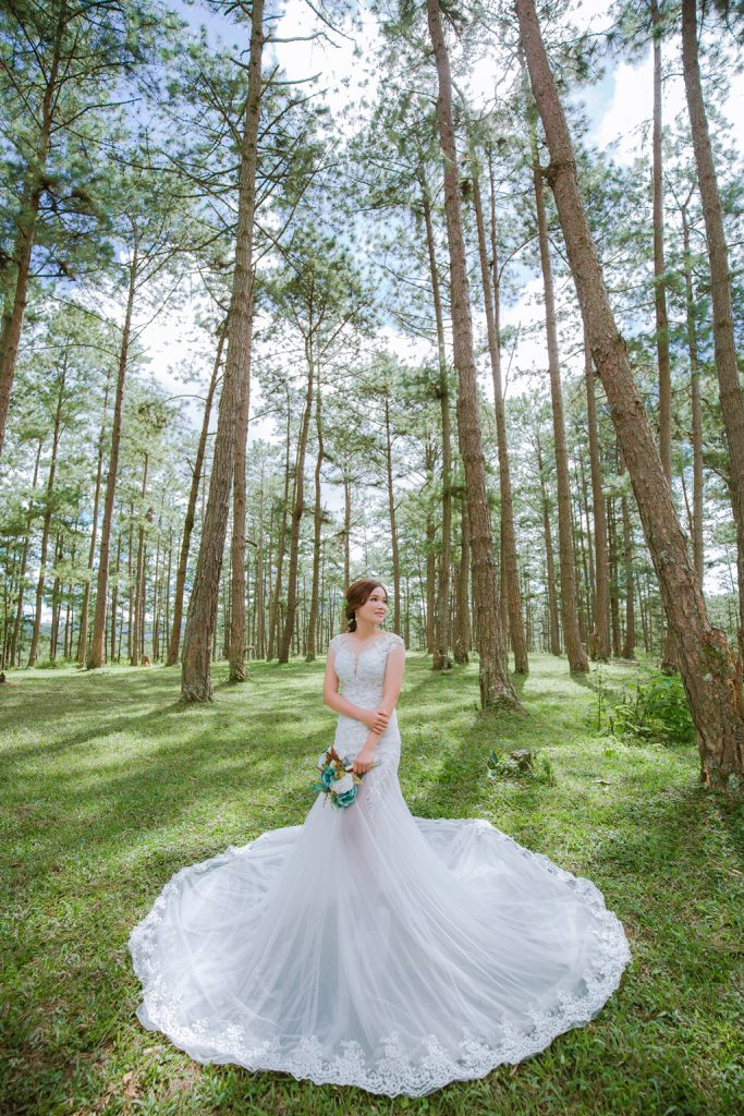 bo-anh-cuoi-da-lat-nhe-nhang-trong-rung-thong-001