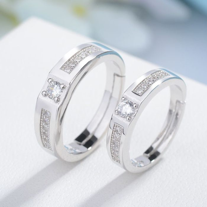Nhẫn cặp tình nhân có ý nghĩa như một lời hứa hẹn son sắt trong tình yêu