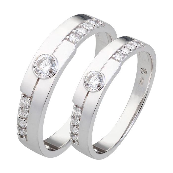 Nhẫn cưới vàng trắng 14k mang đến vẻ đẹp sang trọng, tinh tế