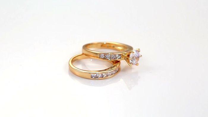 Nhẫn cưới vàng 18k có giá thành phải chăng